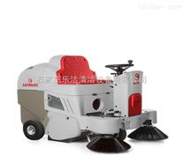 意大利高美驾驶式扫地车