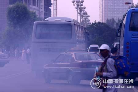 """加快""""黄标""""淘汰步伐 湖北防治机动车尾气污染"""